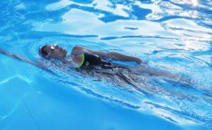 水泳 背泳ぎのトレーニング